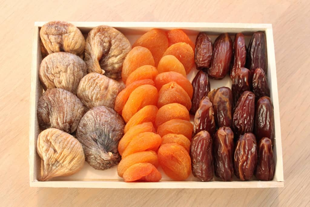 Figs, dades and dried abricots