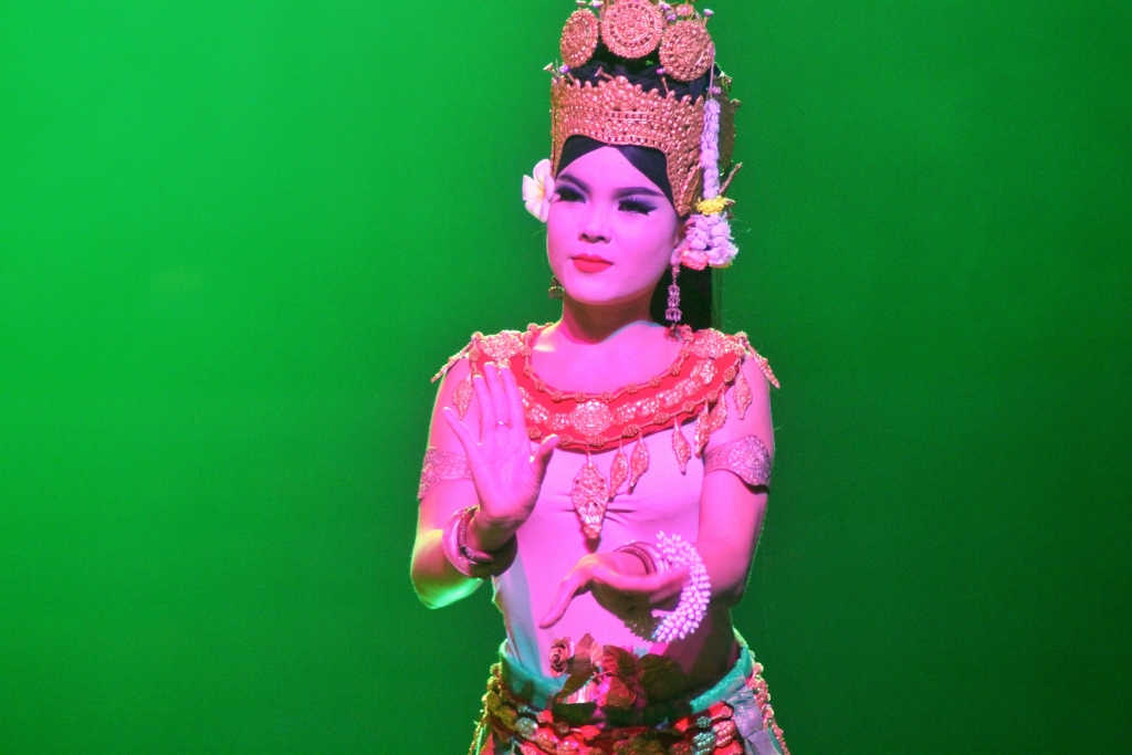 Traditional Khmer Dance at Smile of Angkor, Siem Reap